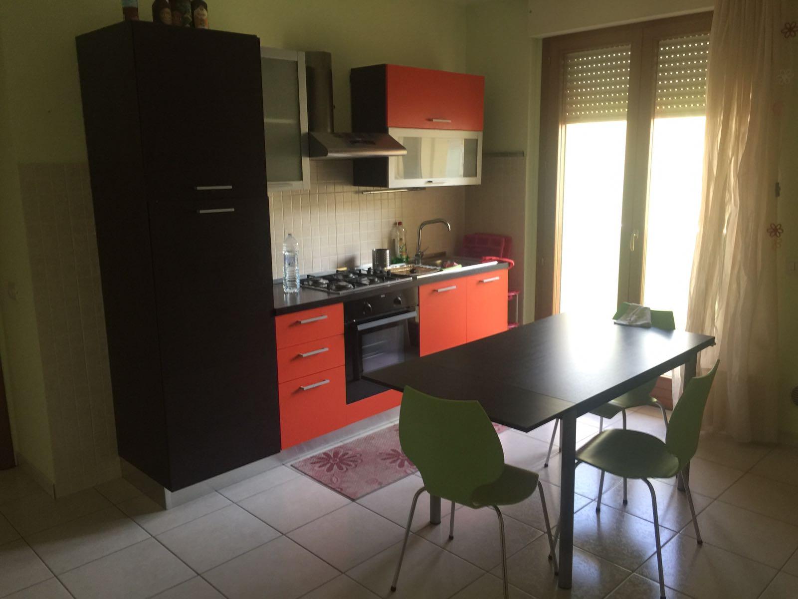 Appartamento in affitto a Cepagatti, 4 locali, prezzo € 450 | Cambio Casa.it