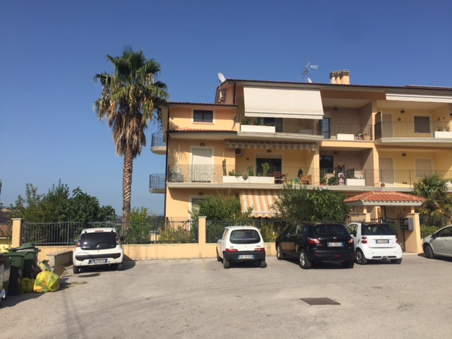 Appartamento in vendita a Scafa, 3 locali, prezzo € 149.000   CambioCasa.it