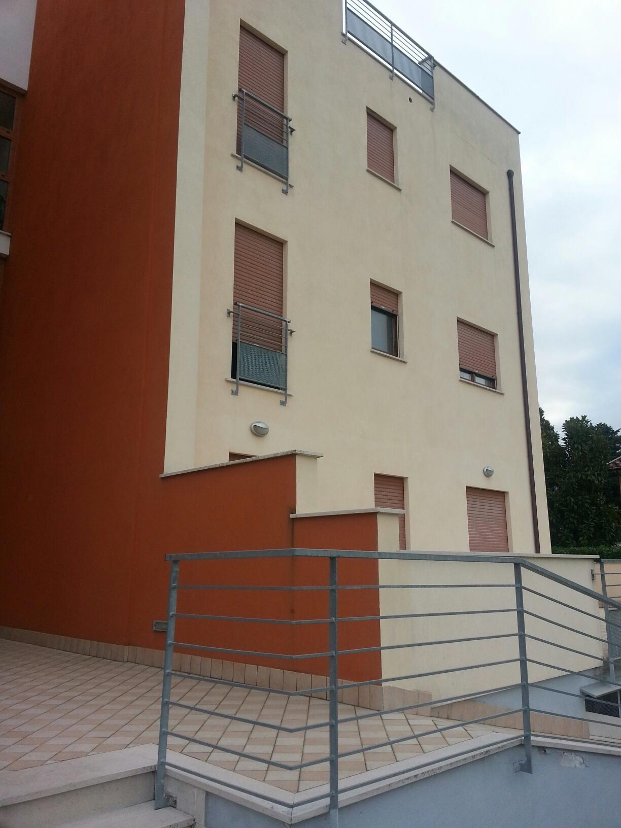 Appartamento in affitto a Manoppello, 4 locali, zona Località: ManoppelloScalo, prezzo € 400 | CambioCasa.it