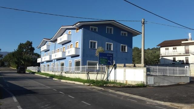 Appartamento in vendita a Alanno, 3 locali, zona Località: AlannoScalo, prezzo € 60.000 | CambioCasa.it