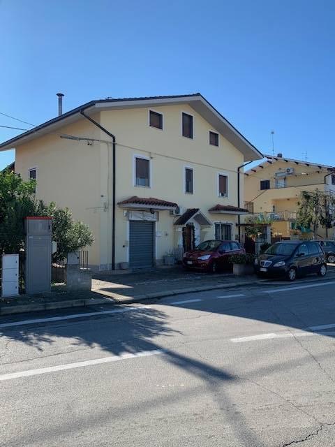 Casa indipendente in vendita a Bivio Brecciarola, Chieti (CH)