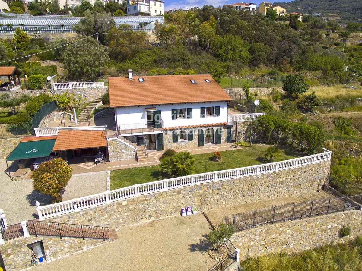 Pompeiana immobilier 3690 italie acheter des maisons for Acheter une maison en italie