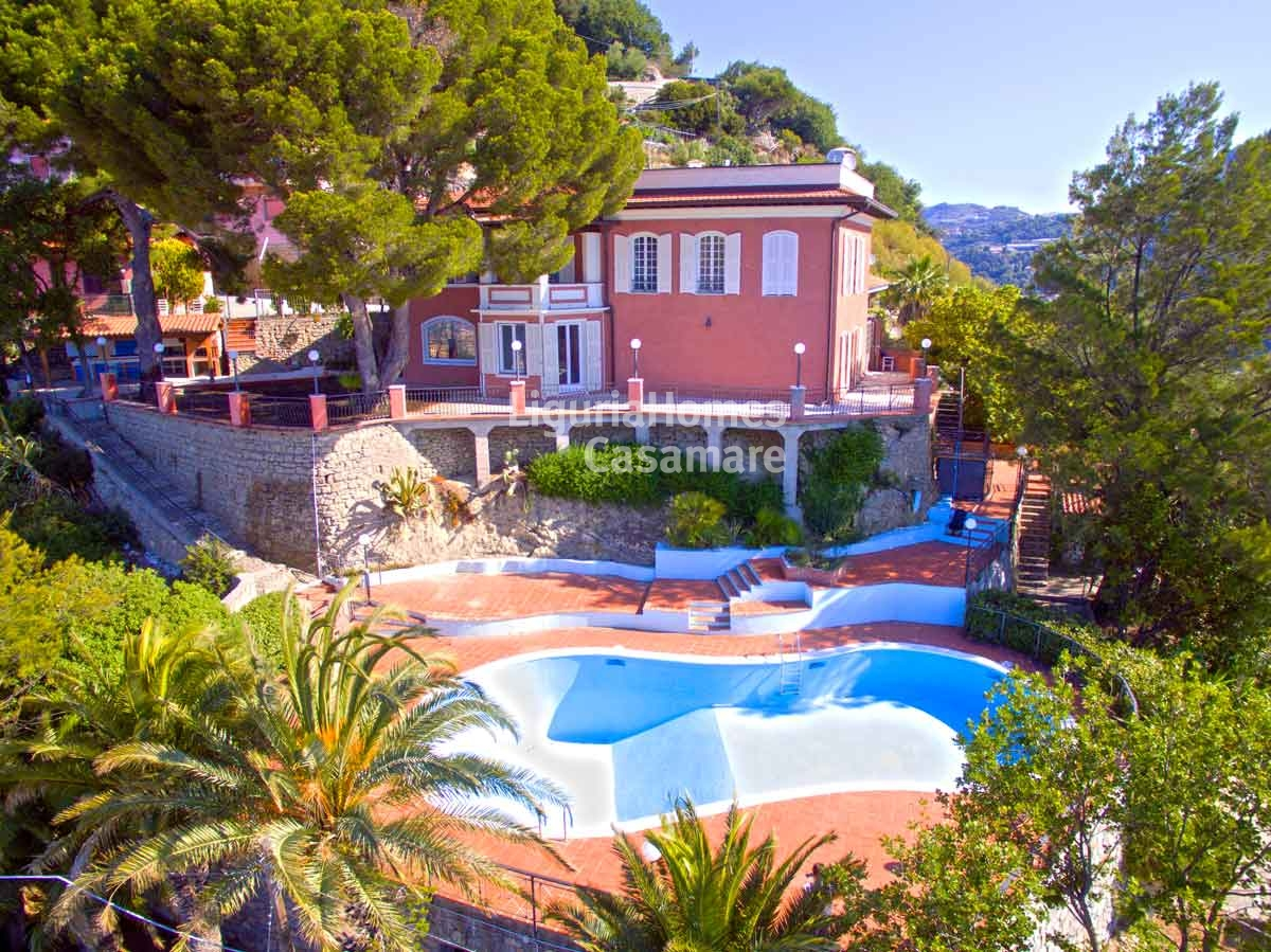 Villa in vendita a Ventimiglia, 12 locali, prezzo € 990.000 | Cambio Casa.it