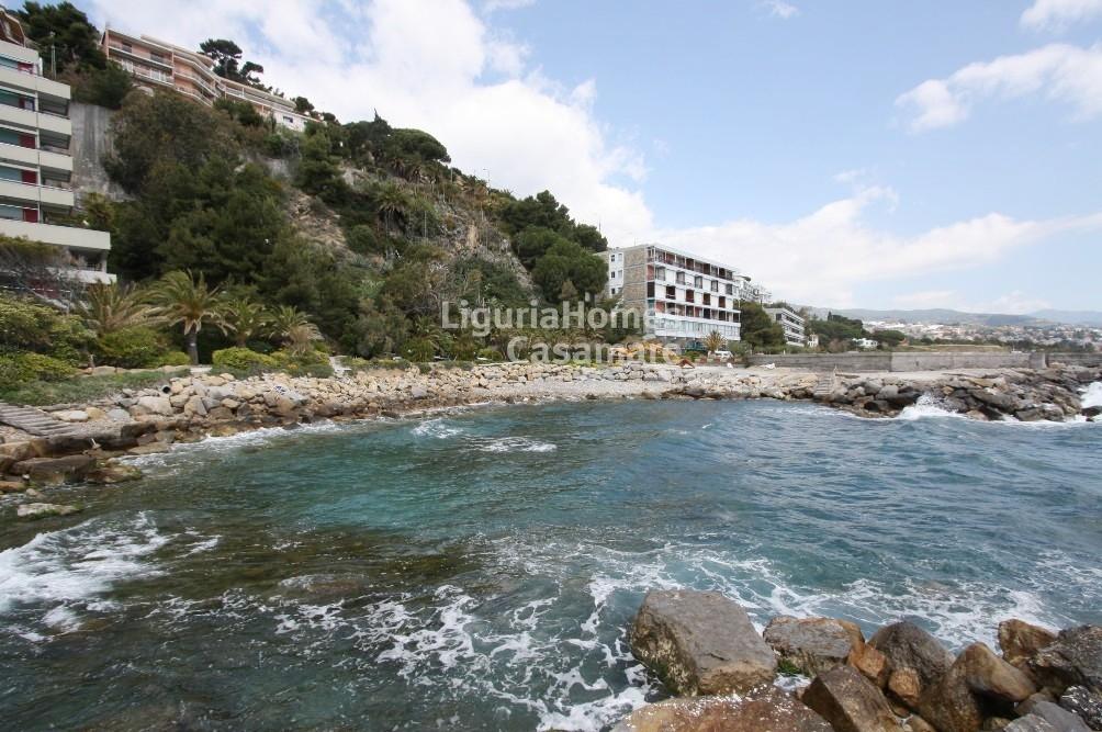 Appartamento in vendita a Ospedaletti, 5 locali, prezzo € 350.000 | Cambio Casa.it