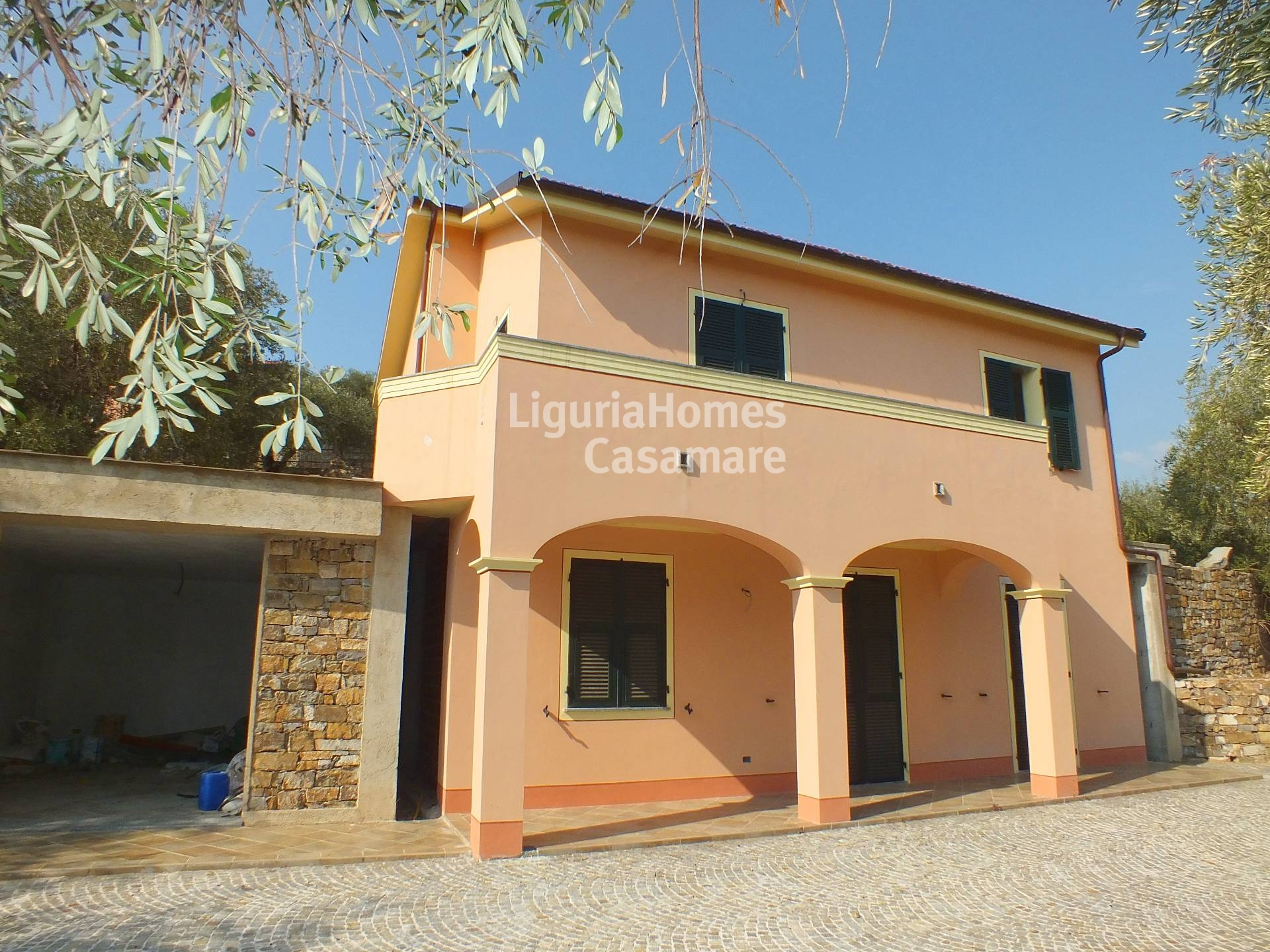 Villa in Vendita a San Lorenzo al Mare