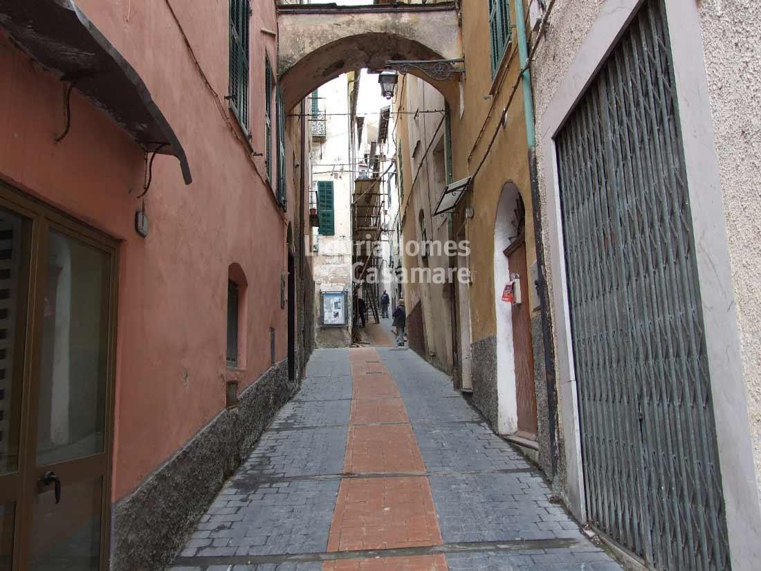 Appartamento in vendita a Borgomaro, 5 locali, prezzo € 50.000 | Cambio Casa.it