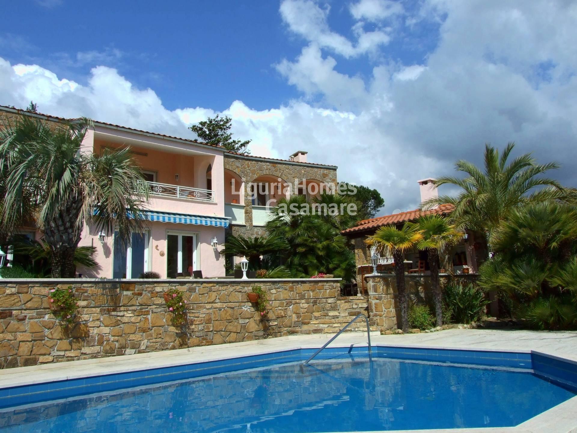 Villa in vendita a Cipressa, 12 locali, prezzo € 1.000.000 | Cambio Casa.it