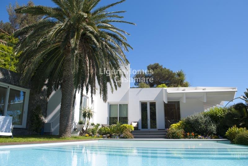 Villa in vendita a Bergeggi, 13 locali, Trattative riservate | Cambio Casa.it