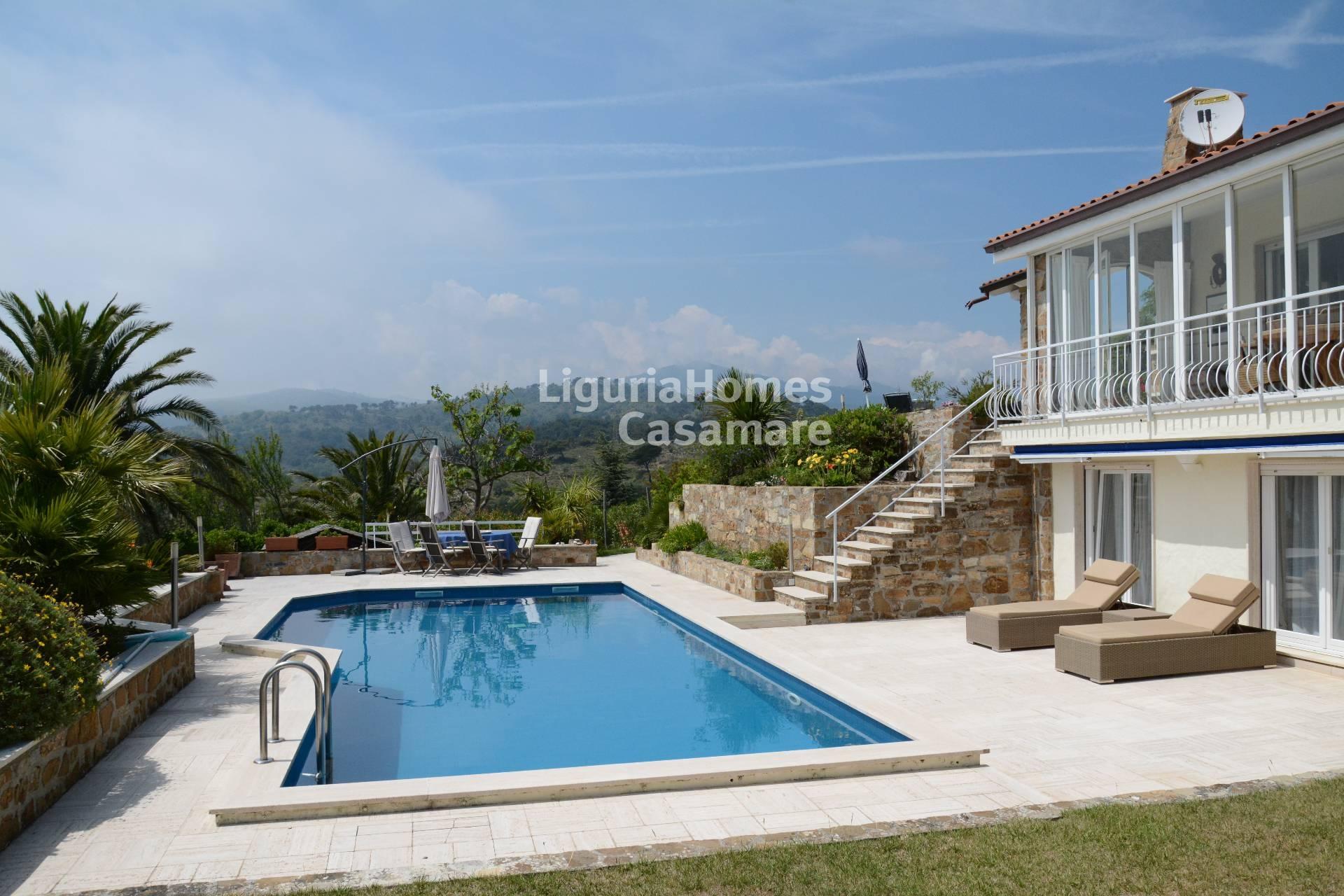 Villa in vendita a Cipressa, 9 locali, prezzo € 1.000.000 | Cambio Casa.it