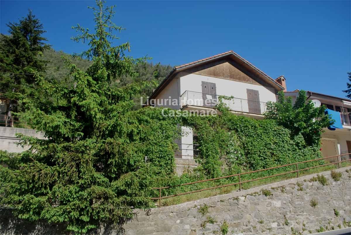 Villa in vendita a Pigna, 5 locali, prezzo € 220.000   CambioCasa.it