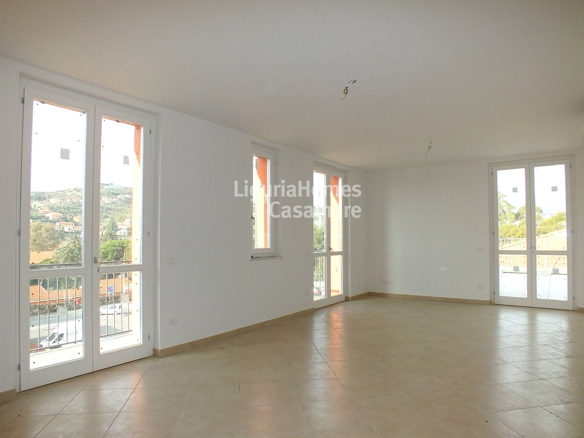 Appartamento in vendita a Imperia, 4 locali, prezzo € 345.000 | Cambio Casa.it