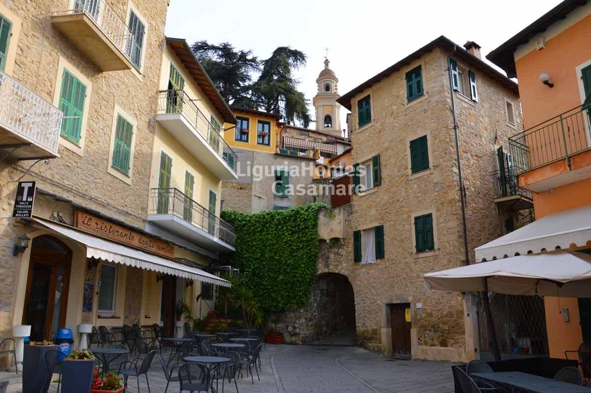 Appartamento in vendita a Vallebona, 8 locali, prezzo € 140.000 | Cambio Casa.it