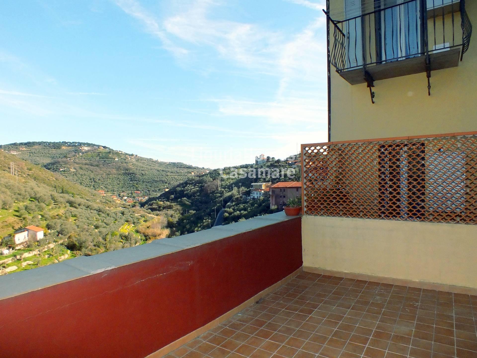 Appartamento in vendita a Imperia, 4 locali, prezzo € 155.000 | Cambio Casa.it