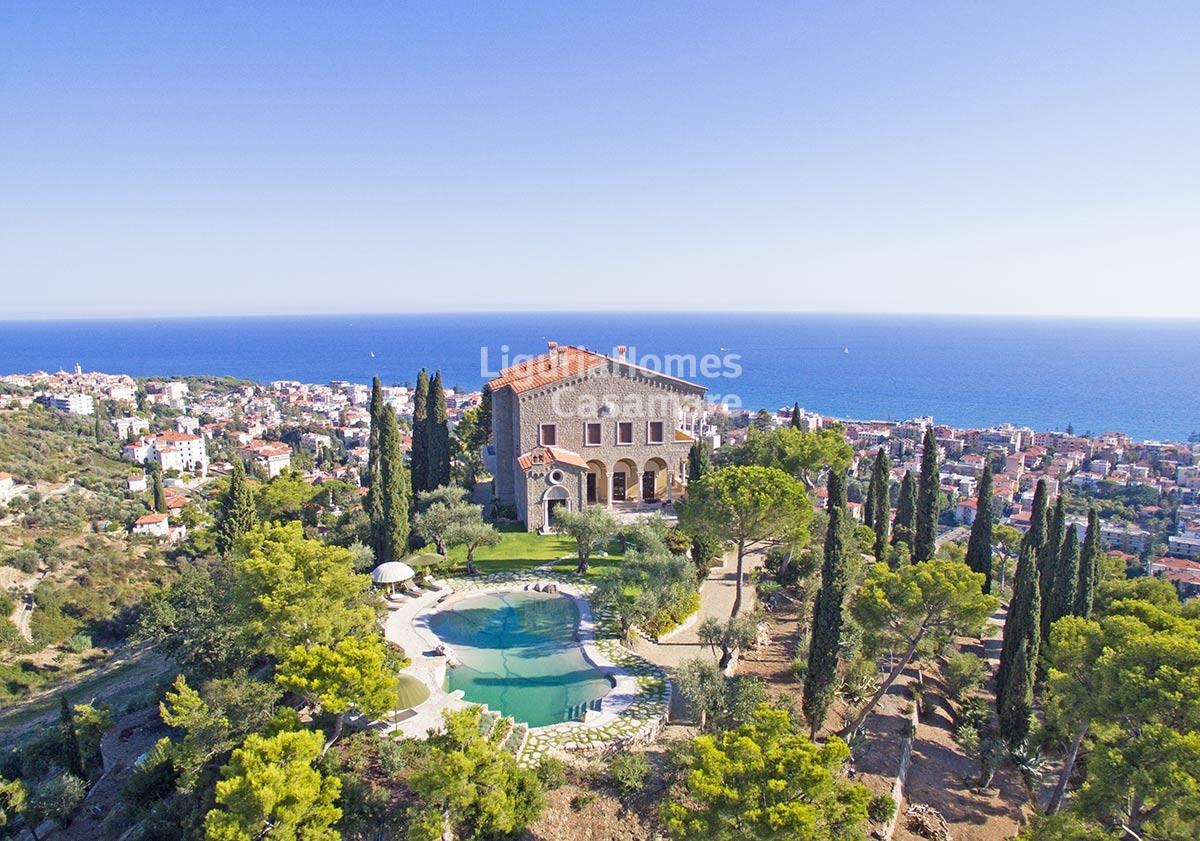 Riviera Holiday Homes