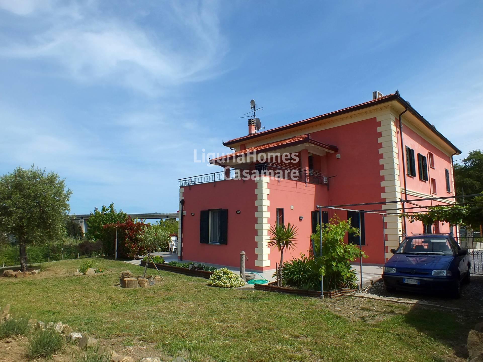 Appartamento in vendita a Imperia, 4 locali, prezzo € 240.000 | Cambio Casa.it