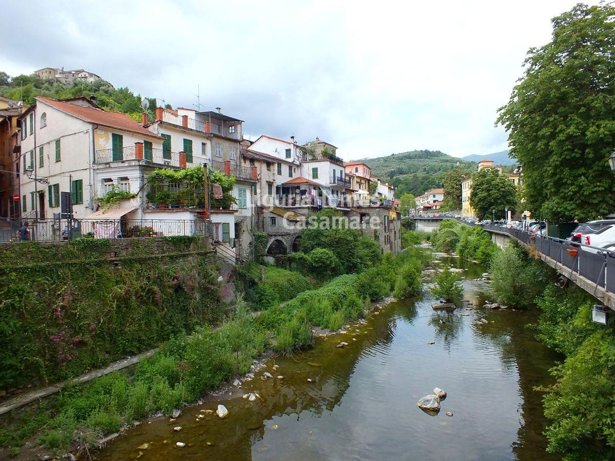 Appartamento in vendita a Borgomaro, 5 locali, prezzo € 145.000 | Cambio Casa.it