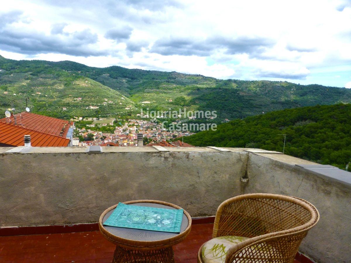 Appartamento in vendita a Pontedassio, 6 locali, prezzo € 229.000 | CambioCasa.it
