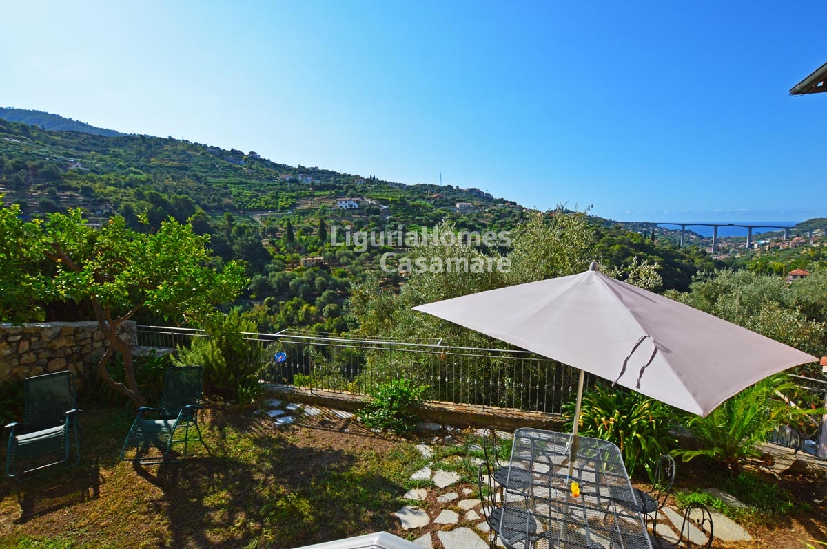 Appartamento in vendita a Vallebona, 7 locali, prezzo € 350.000 | CambioCasa.it