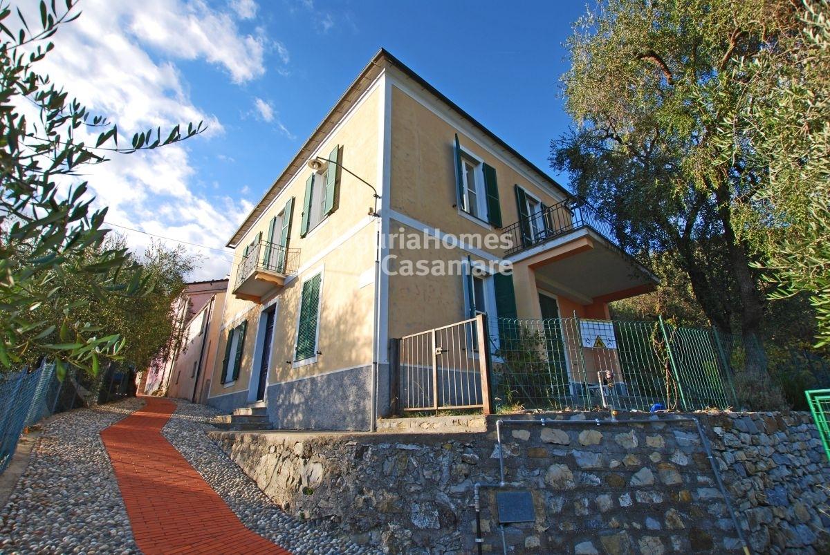 Villa in vendita a Villa Faraldi, 8 locali, prezzo € 275.000   CambioCasa.it