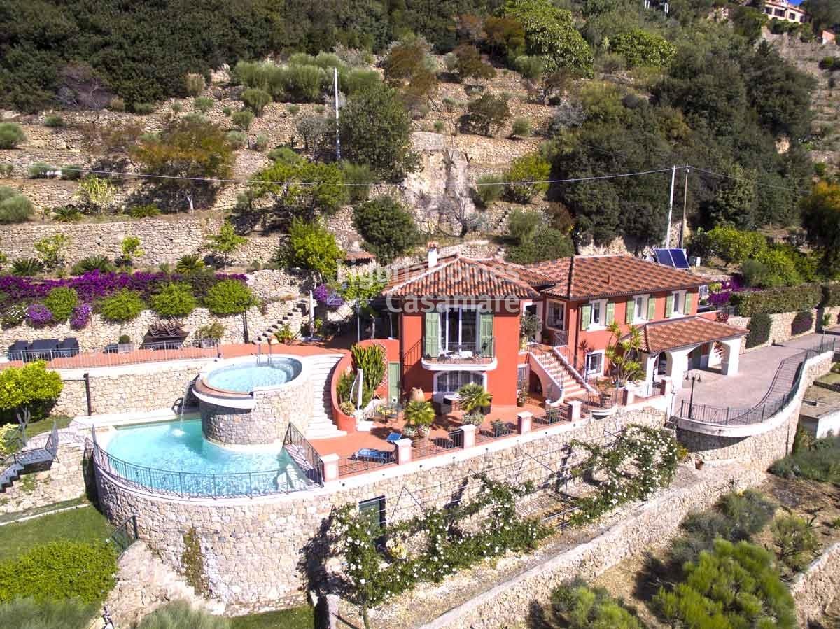 Villa En Vente A Bordighera Ref 3v11
