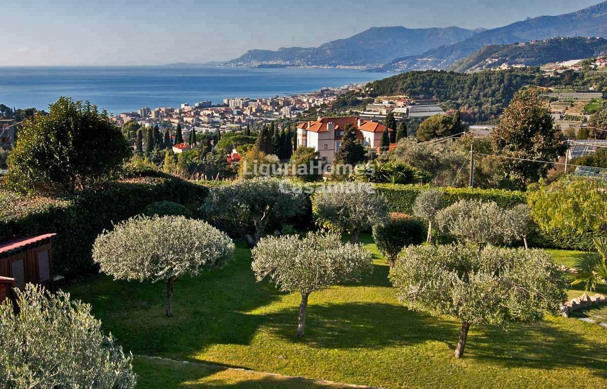 Villa for Sale in Bordighera