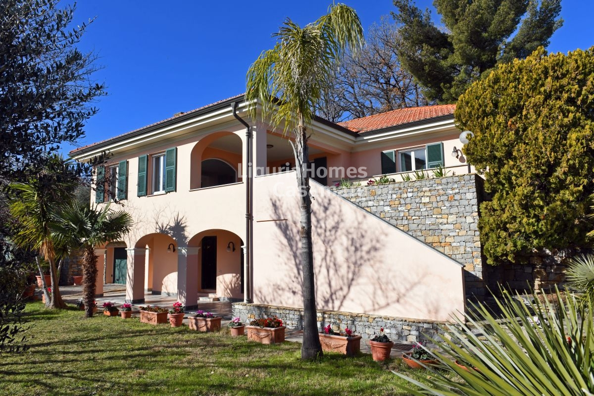 Villa for Sale in Diano Marina