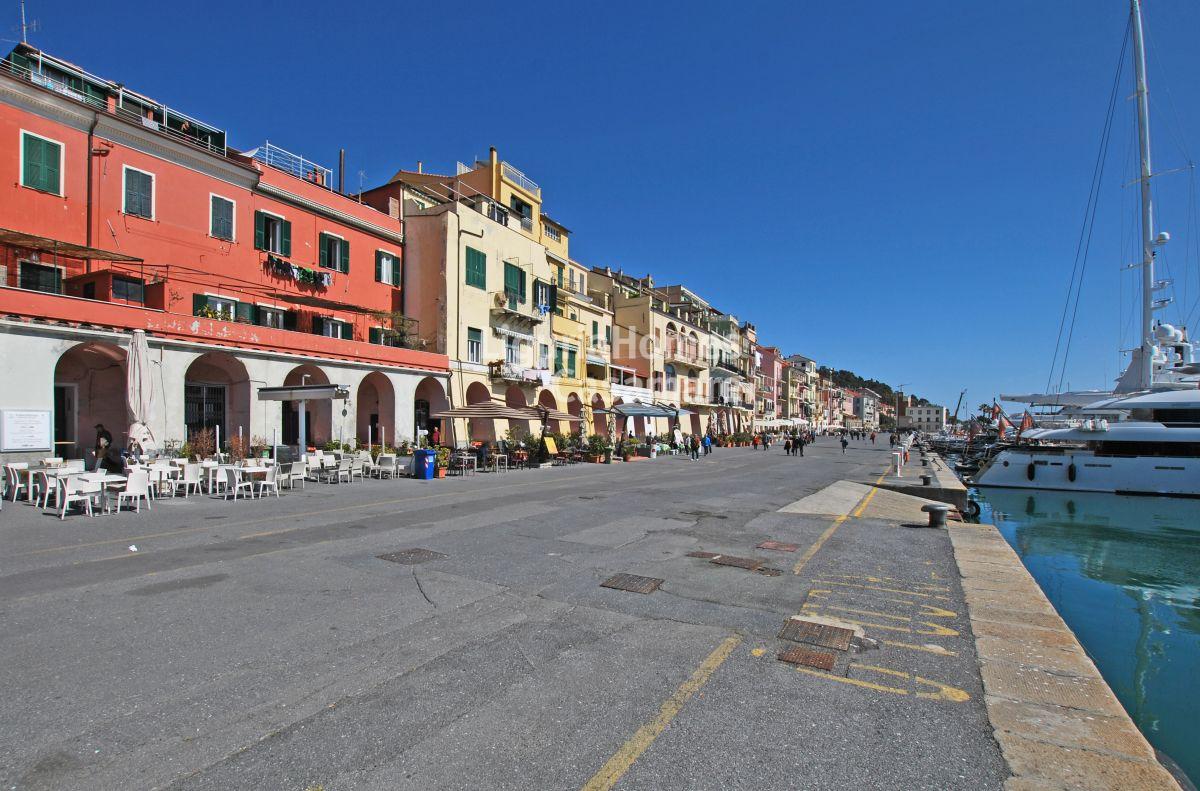 in vendita in Italia Liguria, Imperia
