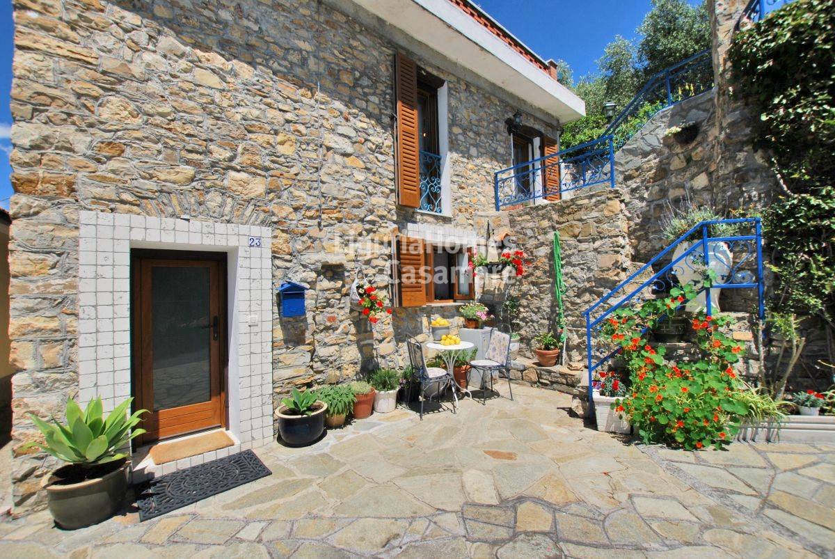 Italy property for sale in Liguria, Diano San Pietro