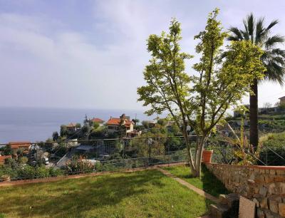 Villen/Häuser zum Kaufen in Ospedaletti