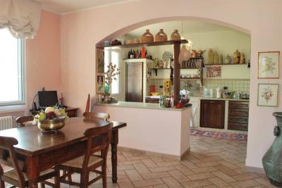 Villen/Häuser zum Kaufen in Dolceacqua
