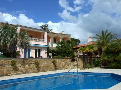 Villa for Sale in Cipressa