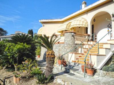 Villa for Sale in Ospedaletti