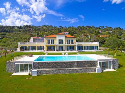 Villa for Sale in Cipressa