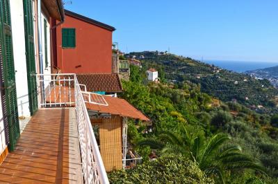Villa in Vendita a Castellaro