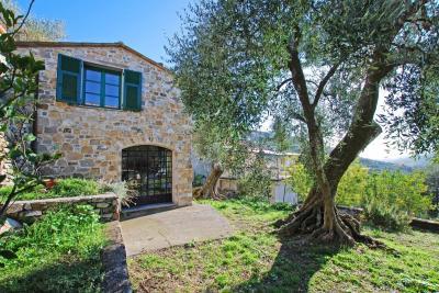 Villa in Vendita a Diano San Pietro