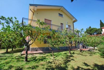 Квартира в Продажа в Diano Marina