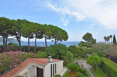 Villen/Häuser zum Kaufen in Sanremo