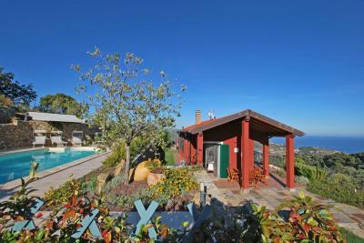 Villa en Vente  à Costarainera