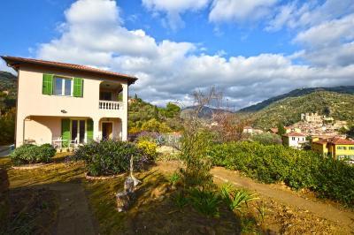 Villa for Sale in Dolceacqua