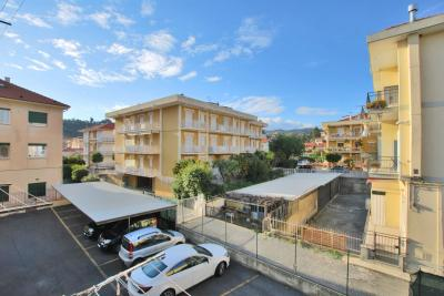 Appartement en Vente  à Diano Marina