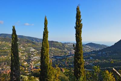 Villen/Häuser zum Kaufen in San Biagio della Cima
