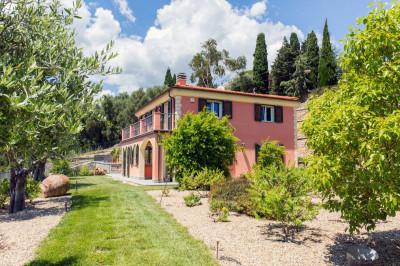 Villen/Häuser zum Kaufen in Imperia