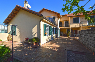 Villa for Sale in Vallecrosia