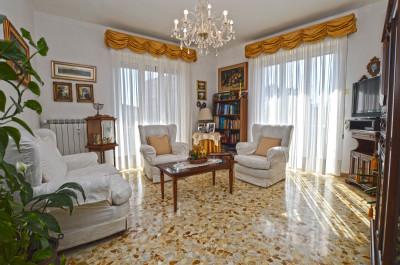 Wohnungen zum Kaufen in Vallecrosia