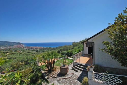 Villen/Häuser zum Kaufen in Diano Marina