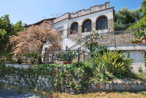 Casa di paese in Vendita a San Bartolomeo al Mare