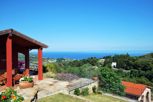 Villa for Sale in Costarainera