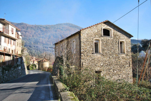 Town House for Sale in Borgomaro