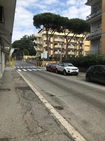 Locale commerciale in Affitto/Vendita a Roma