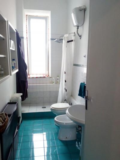 Appartamento in affitto a roma cod 150 for Affitto uffici roma piramide